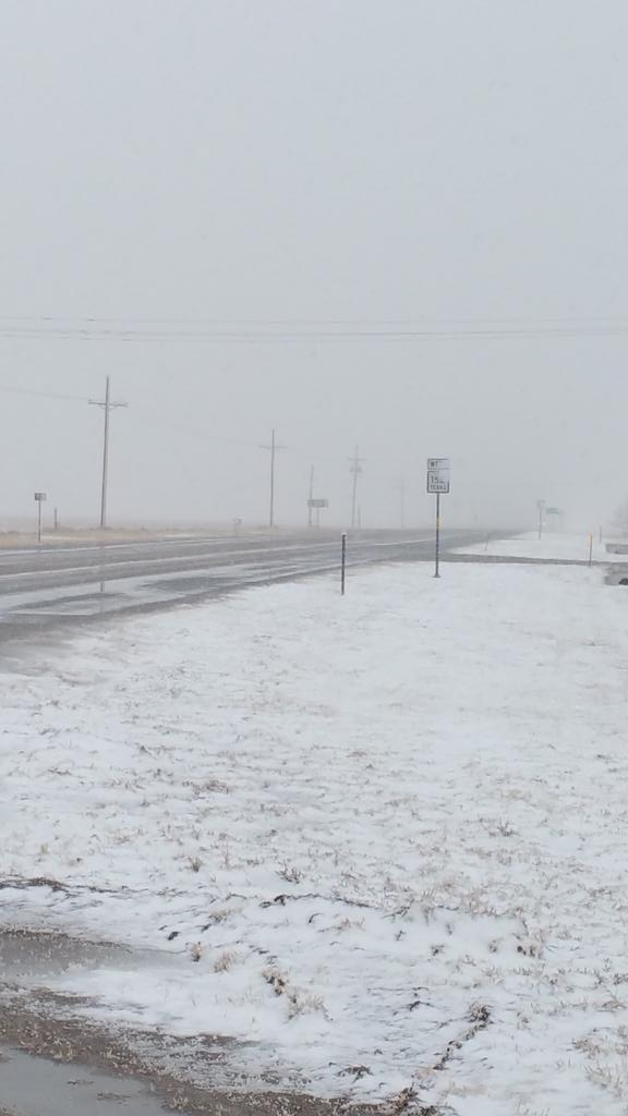 Snow on Hwy 152 East of Dumas (Brandon Woody)