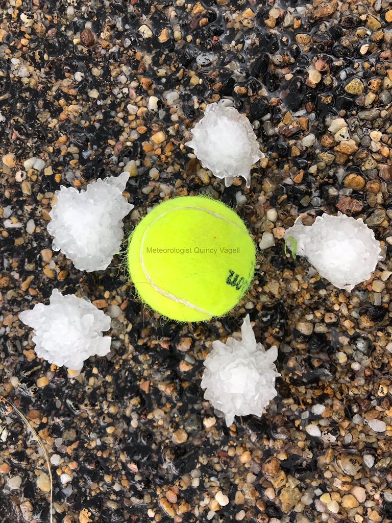 Golf ball size hail 6 miles northwest of Fritch, Texas at 1:53pm