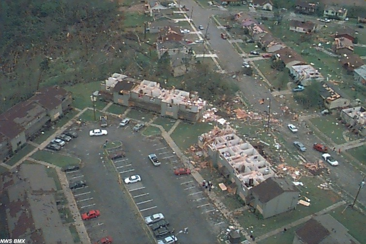 apartment complex damaged in west Jefferson County