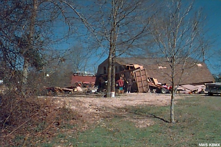 Barn/garage damaged in northern St. Clair county.