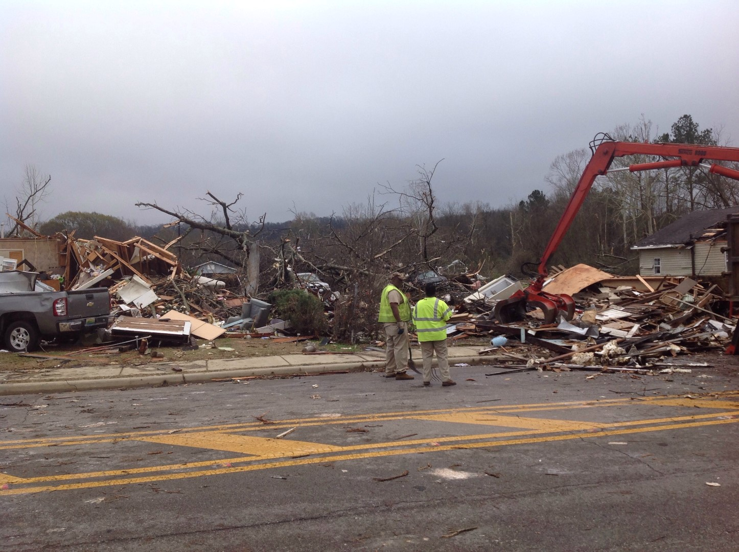 Damage In Midfield (Jefferson Co) on Dec 25, 2015