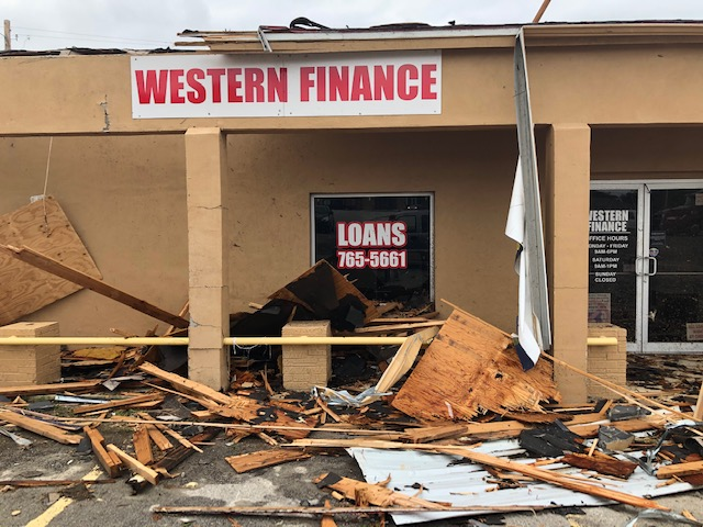 Damage to Loan (business) office along US 83 in Zapata, on May 26, 2020