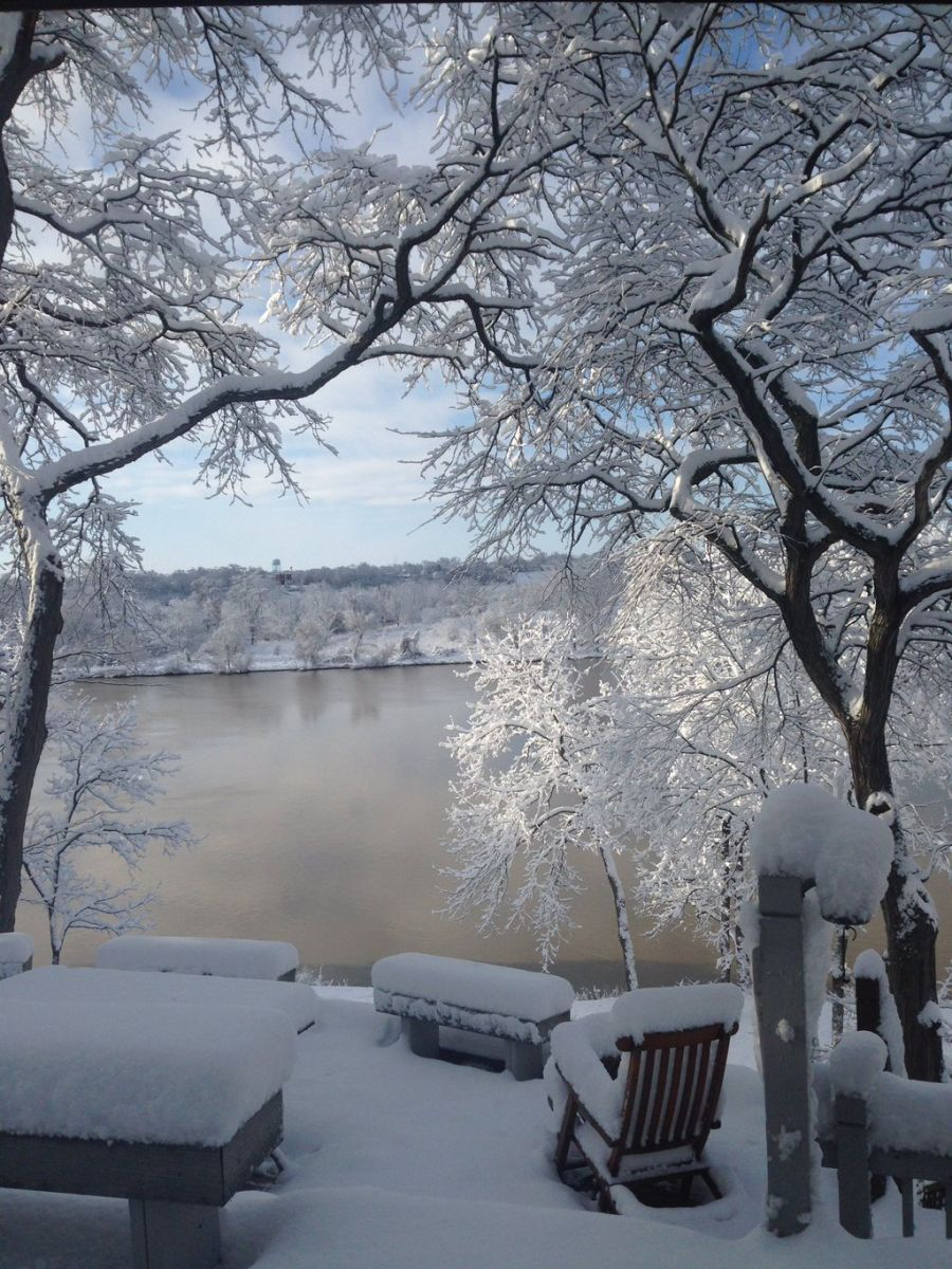 Snow Photo overlooking the Maumee River