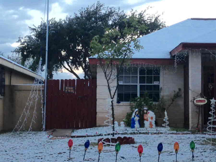 Laredo: Snow With Decorated Home - Credit Oscar Maldonado