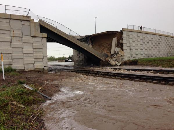 bridge collapse hwy 85