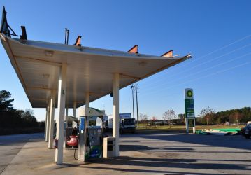 [ Damage to gas station awning in far southern Henry county near Jenkingsburg ]