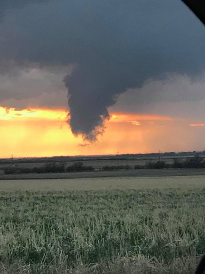Image of funnel cloud near Vilas, SD around 8:20 pm CDT May 8
