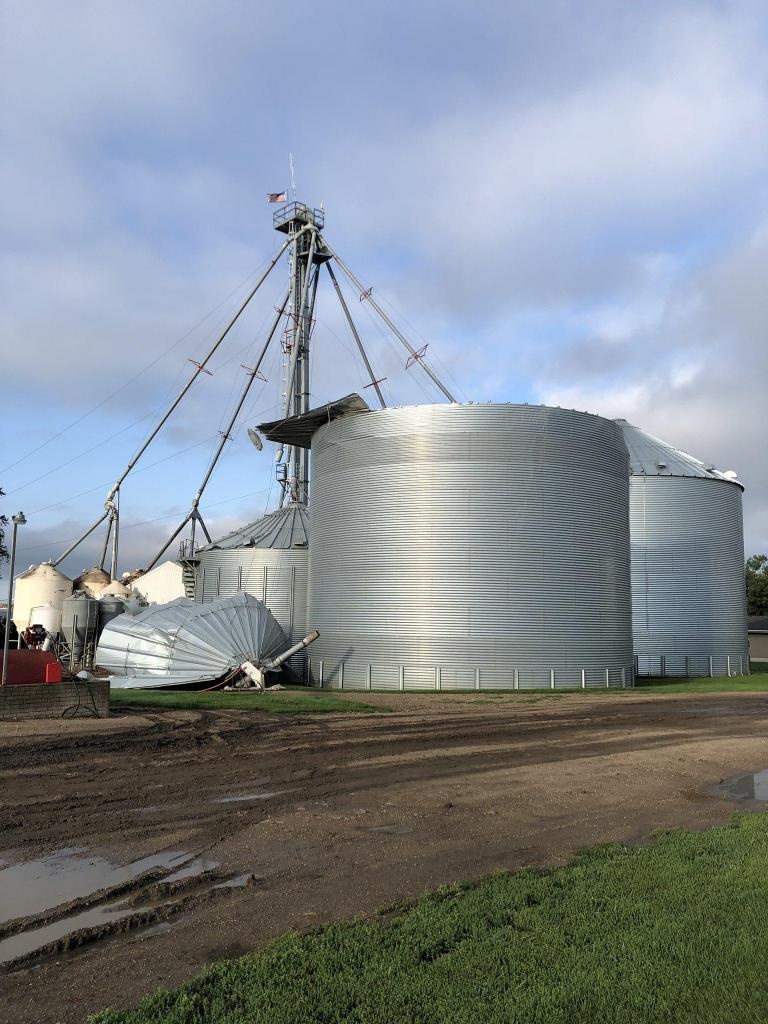 Grain Bin damage near Rock Rapids