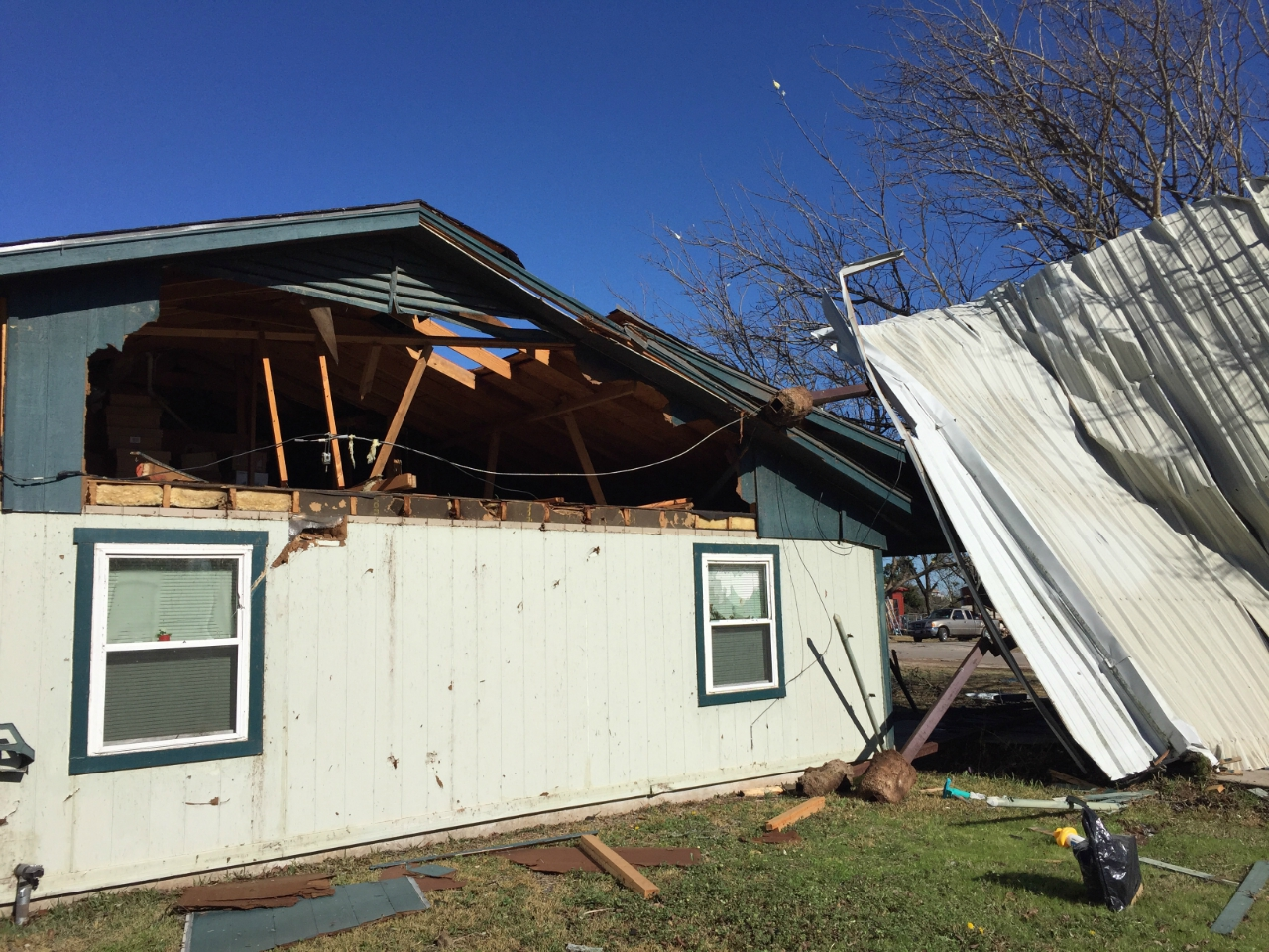 Tornado damage near Lake Whitney