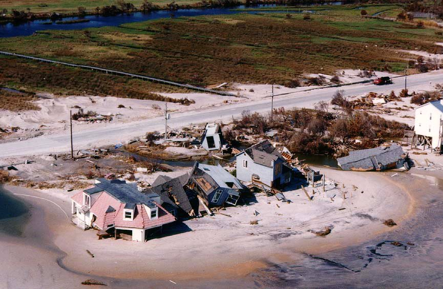 HurricaneFran additionally Louisiana Oak Alley Plantation May 2 besides Women also Creepy Houses Tx as well Large Detailed Street Map Of Orlando. on charlotte south carolina houses