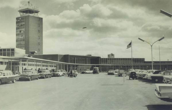 Terminal Building at KCMH