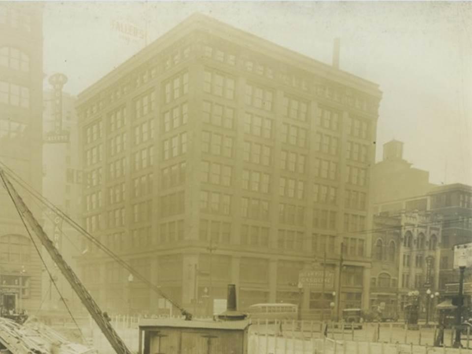 Faller Building
