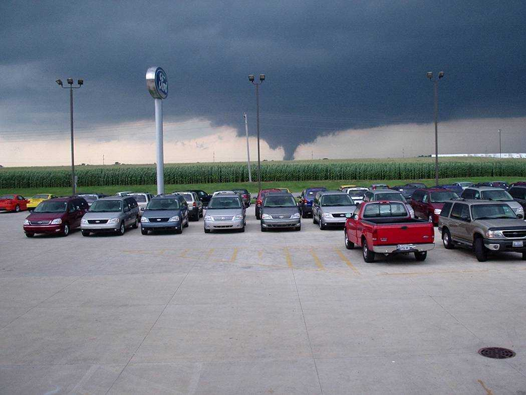 Tornado west of Roanoke near Ford dealership. Photo by Justin Weber