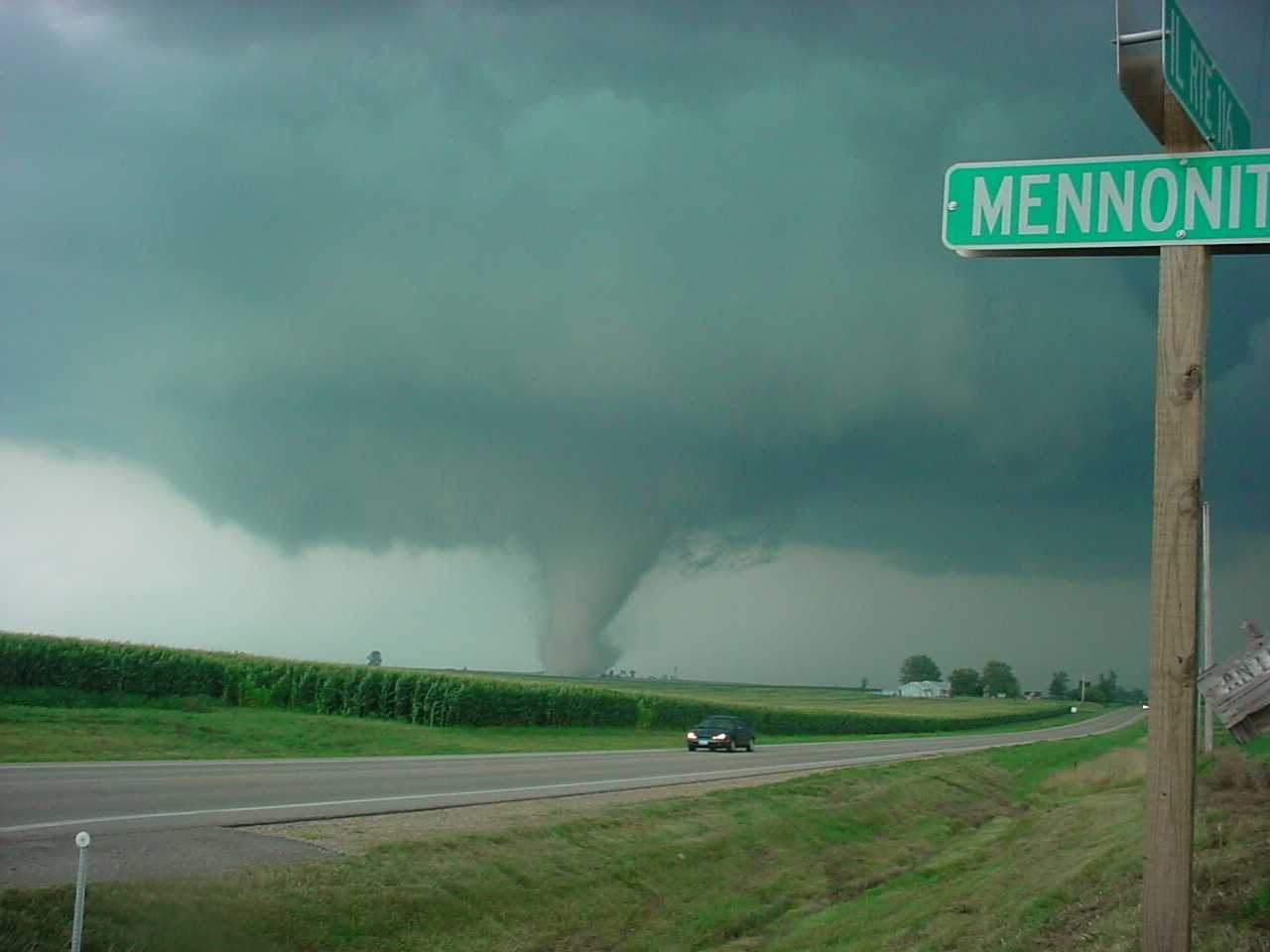 East of Metamora as the tornado headed toward Roanoke. Photo by Jason Malson
