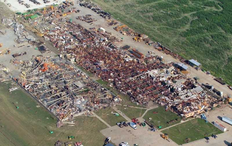 Aerial photo of destruction.  Photo by Matt Dayhoff (Peoria Journal-Star)