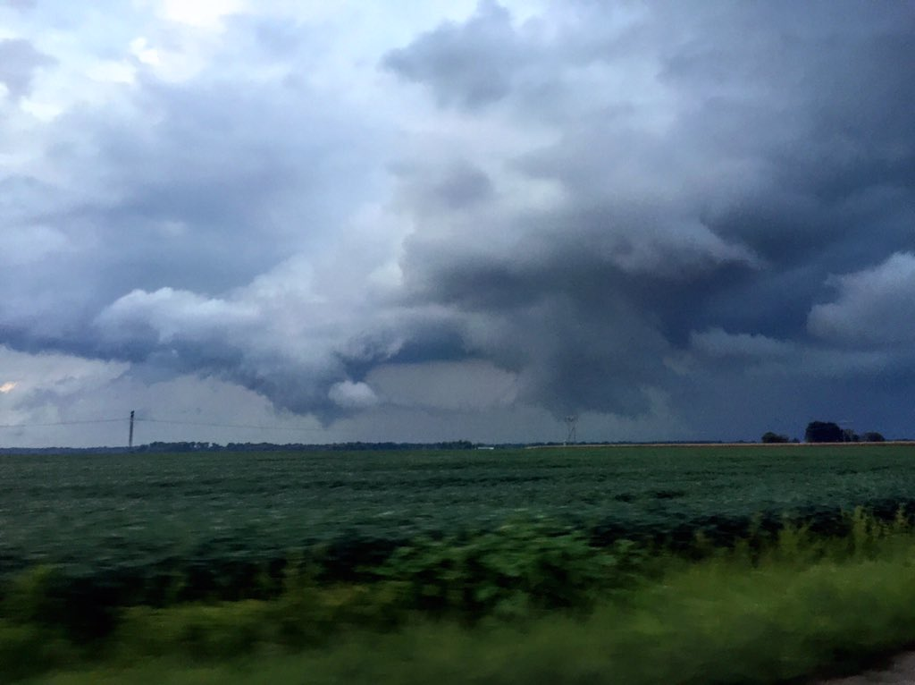 Wall cloud near Casey. Photo courtesy Quincy Vagell