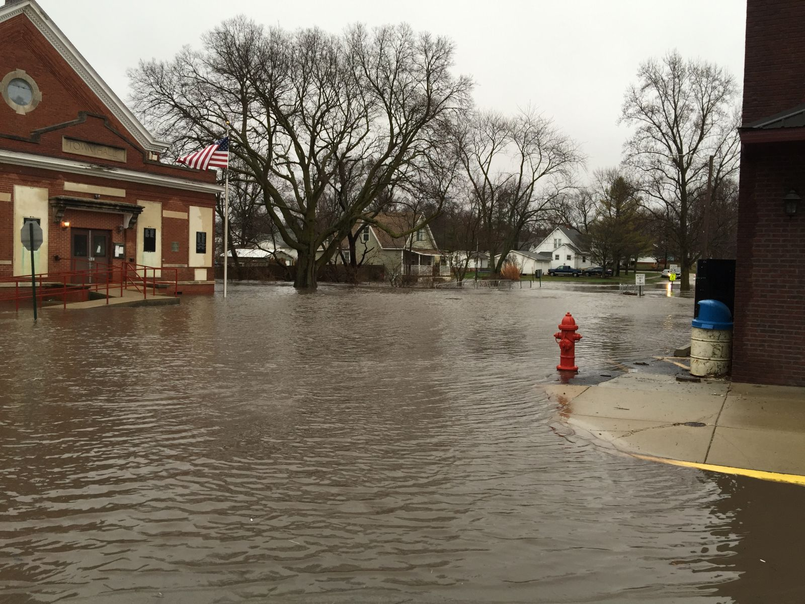 Flood image by Pete Mantell, Sydney, IL  Dec. 28, 2015