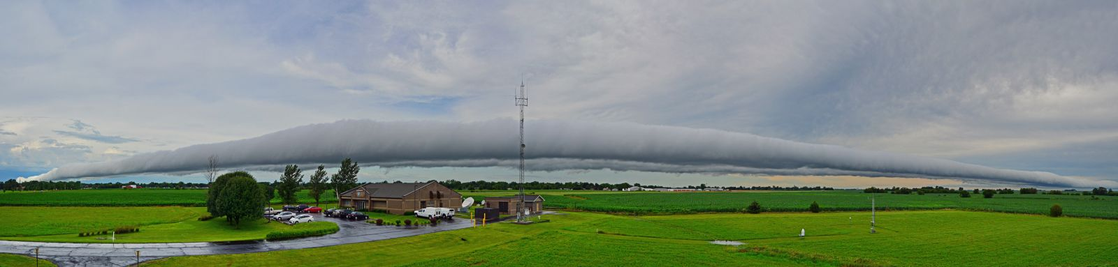 Roll cloud photo by Mark Stacey @ NWS Lincoln, IL  June 25, 2015