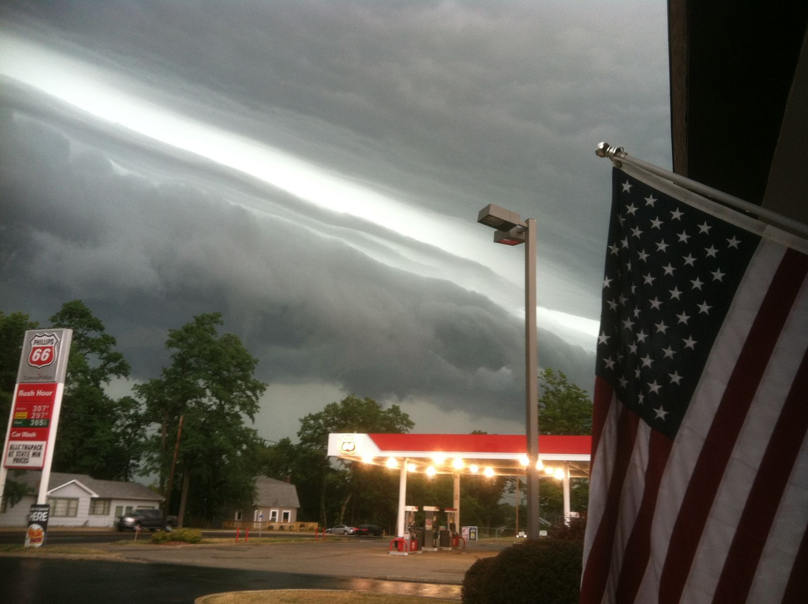 Photo of the shelf cloud that preceded the Derecho in LaPorte, IN (courtesy of Kevin Gould)