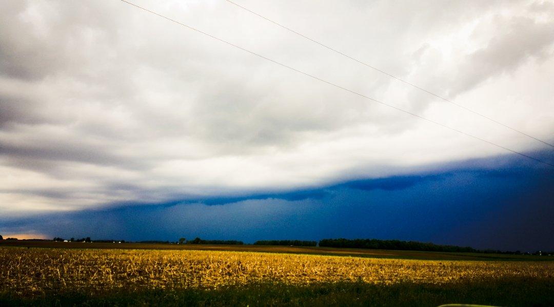 Photo of shelf cloud
