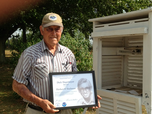 Eau Claire, MI Weather Observer Receives the Dick Hagemeyer Award