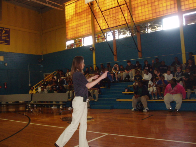 Image of Hydrologist Montra Lockwood speaking to the students