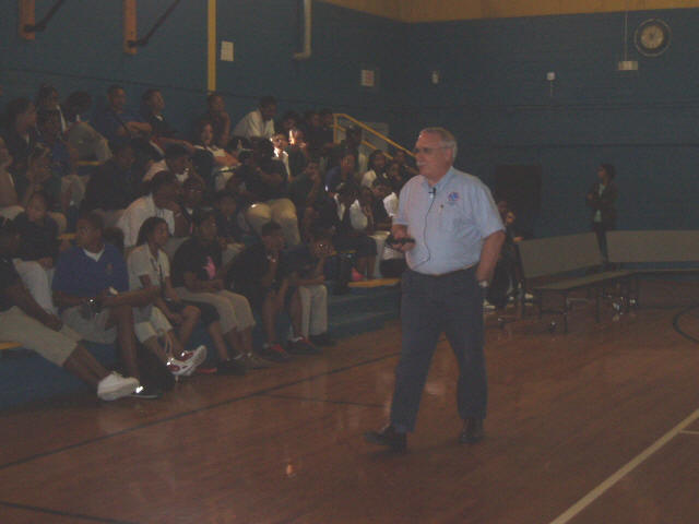 Image of MIC Steve Rinard speaking to the students