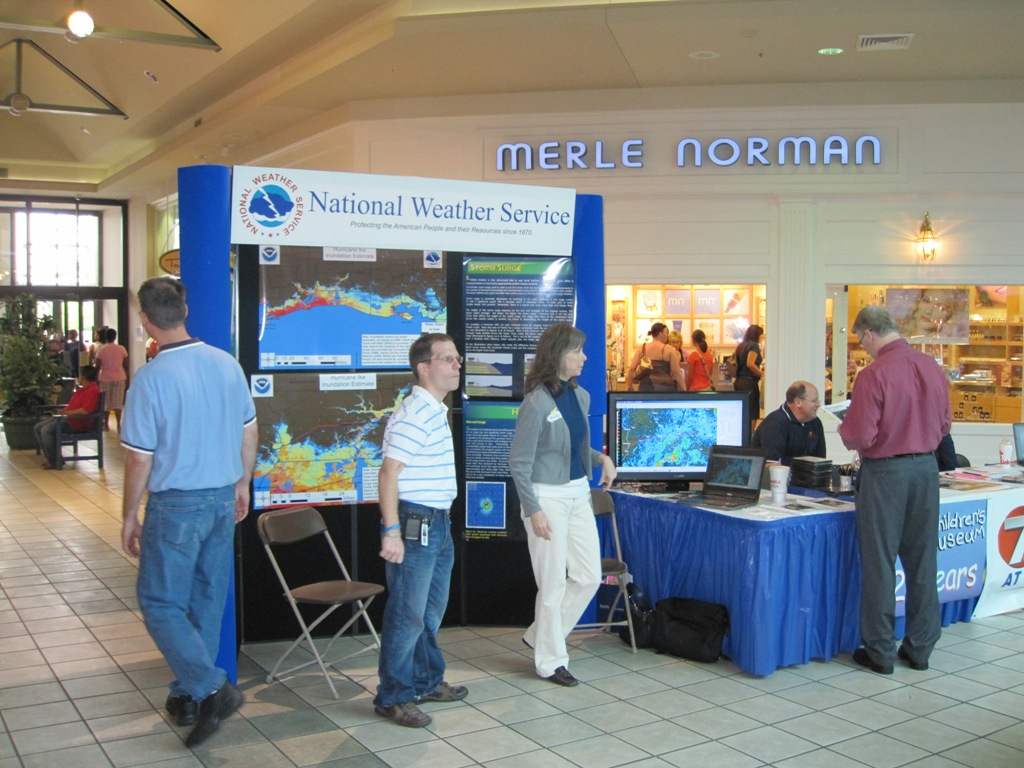 Prien Lake Mall Hurricane Expo image