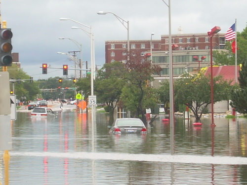Flooding in downtown Des Plaines.  Photo courtesy of CLTV.