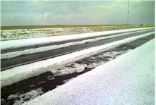 Hail on Highway 60 between Friona and Bovina - 23 April 2008