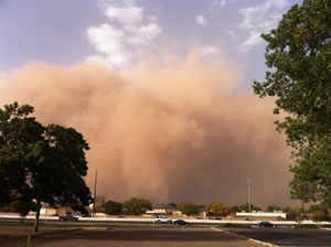 Haboob moving through Lubbock - 17 October 2011