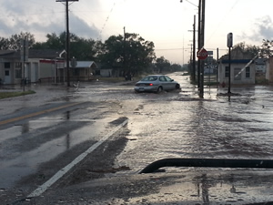 Street flooding in Spur. Click on the image for a larger view.