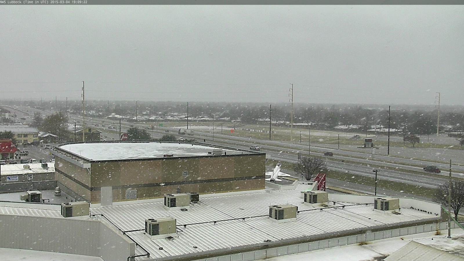 Freezing rain and sleet transitioning to snow in south Lubbock shortly after 1 pm on March 4th.