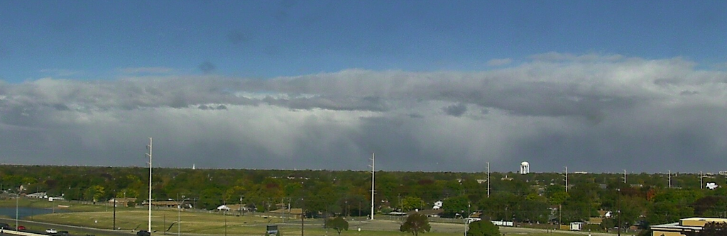 View looking to the north, from Lubbock, Tuesday afternoon (17 November 2015).