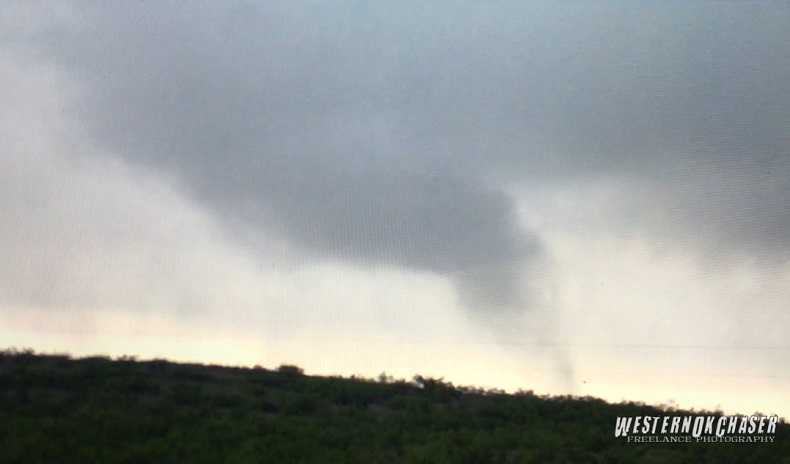 Small tornado about 10 miles south of Dumont at 6:05 PM. The image is courtesy of Bobby Hines.