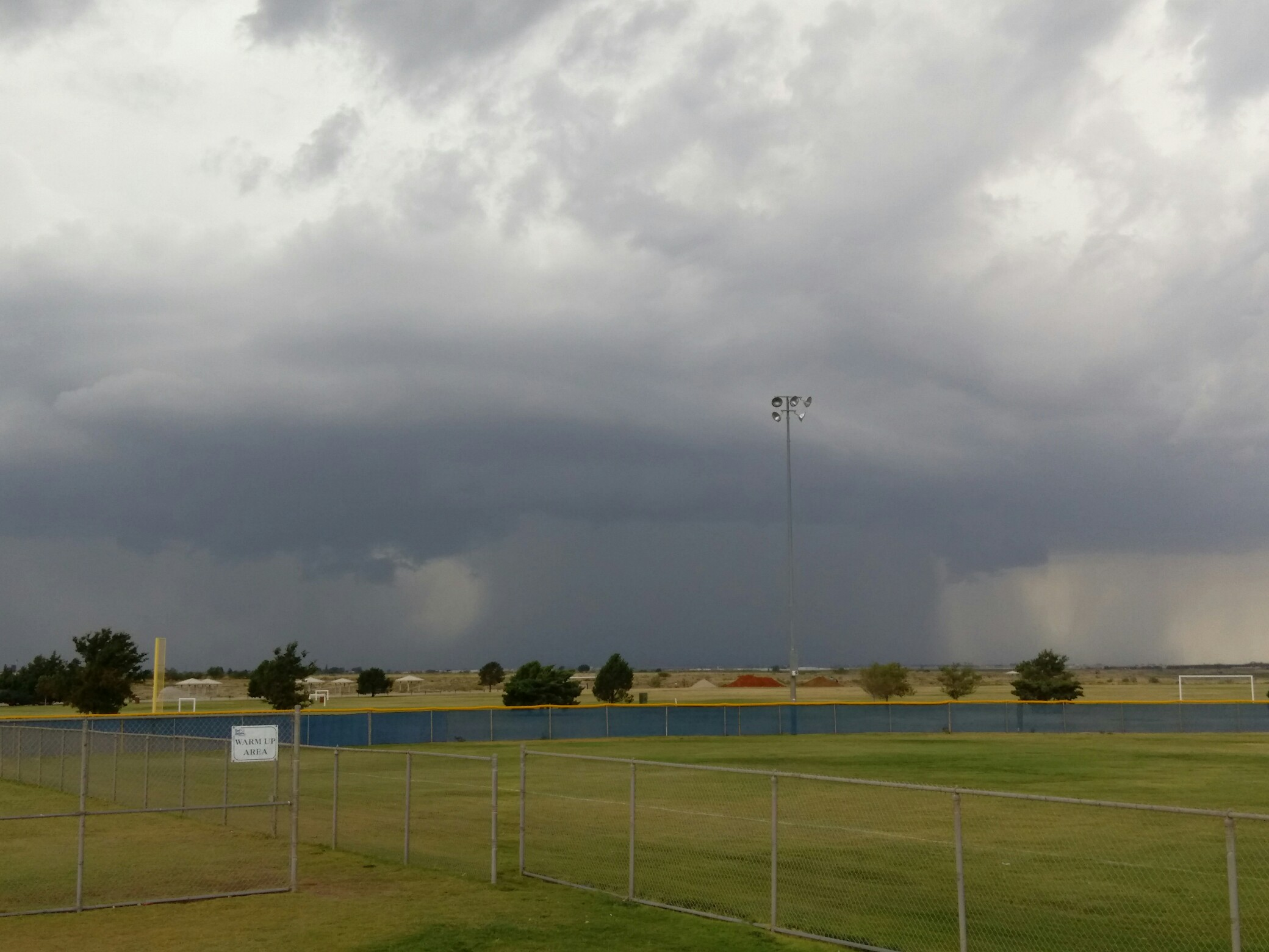 Photo showing a thunderstorm with heavy rain near Shallowater, Texas