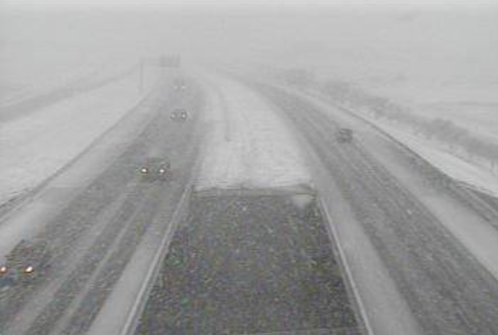 Snow falling on I-27 in Amarillo on Tuesday, 14 February 2017. Image is courtesy of TXDOT.