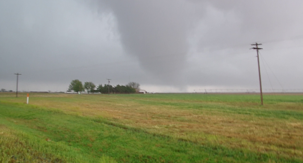 Photo of a tornado to the southeast of Crosbyton