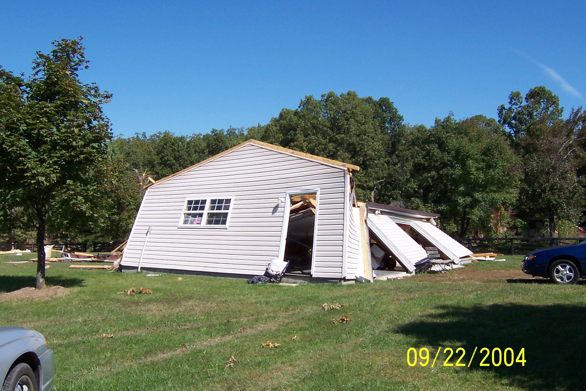 /images/lwx/sept17tornadoes/FrederickVA_Picture1.jpg