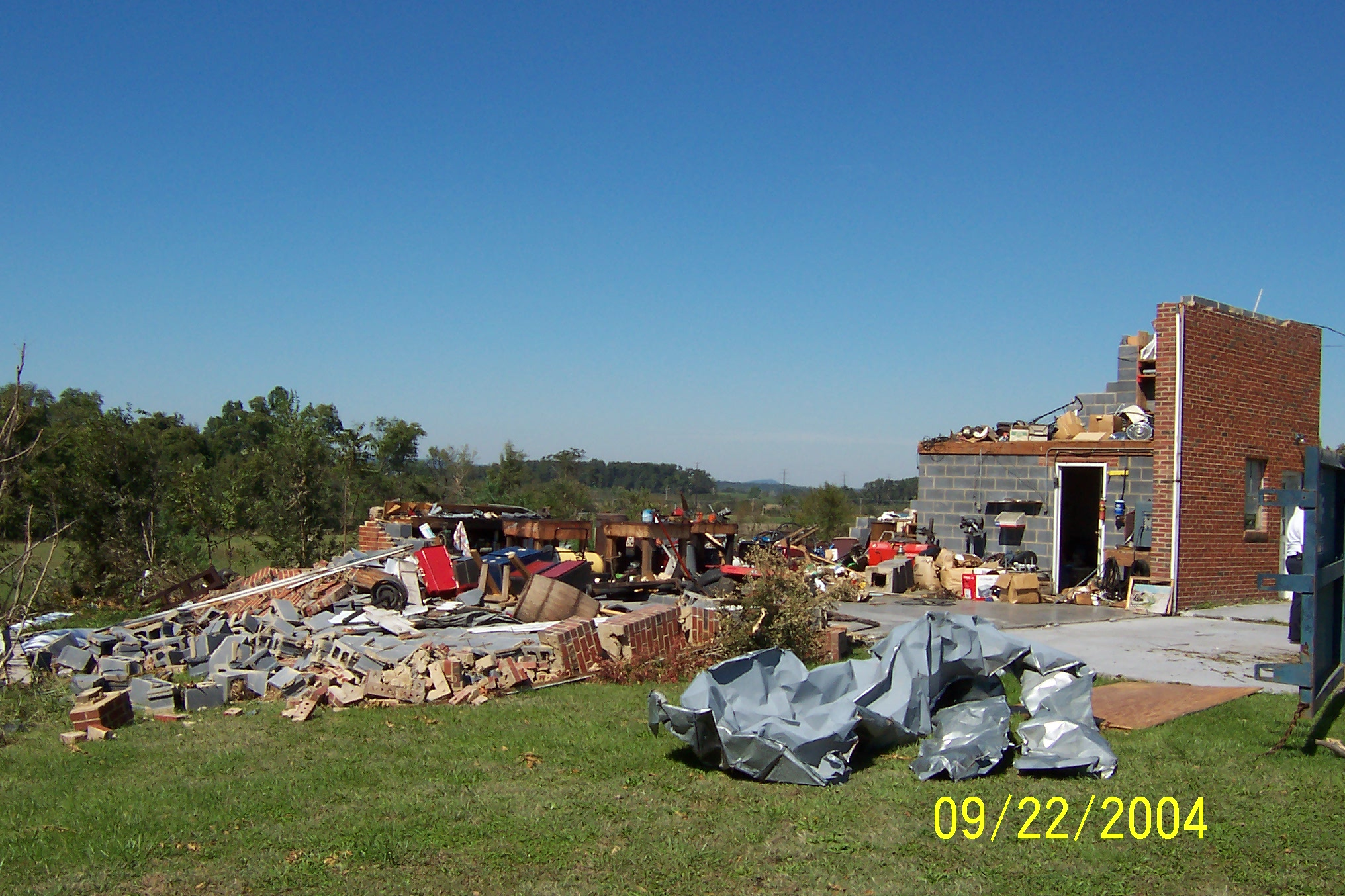 /images/lwx/sept17tornadoes/FrederickVA_Picture2.jpg