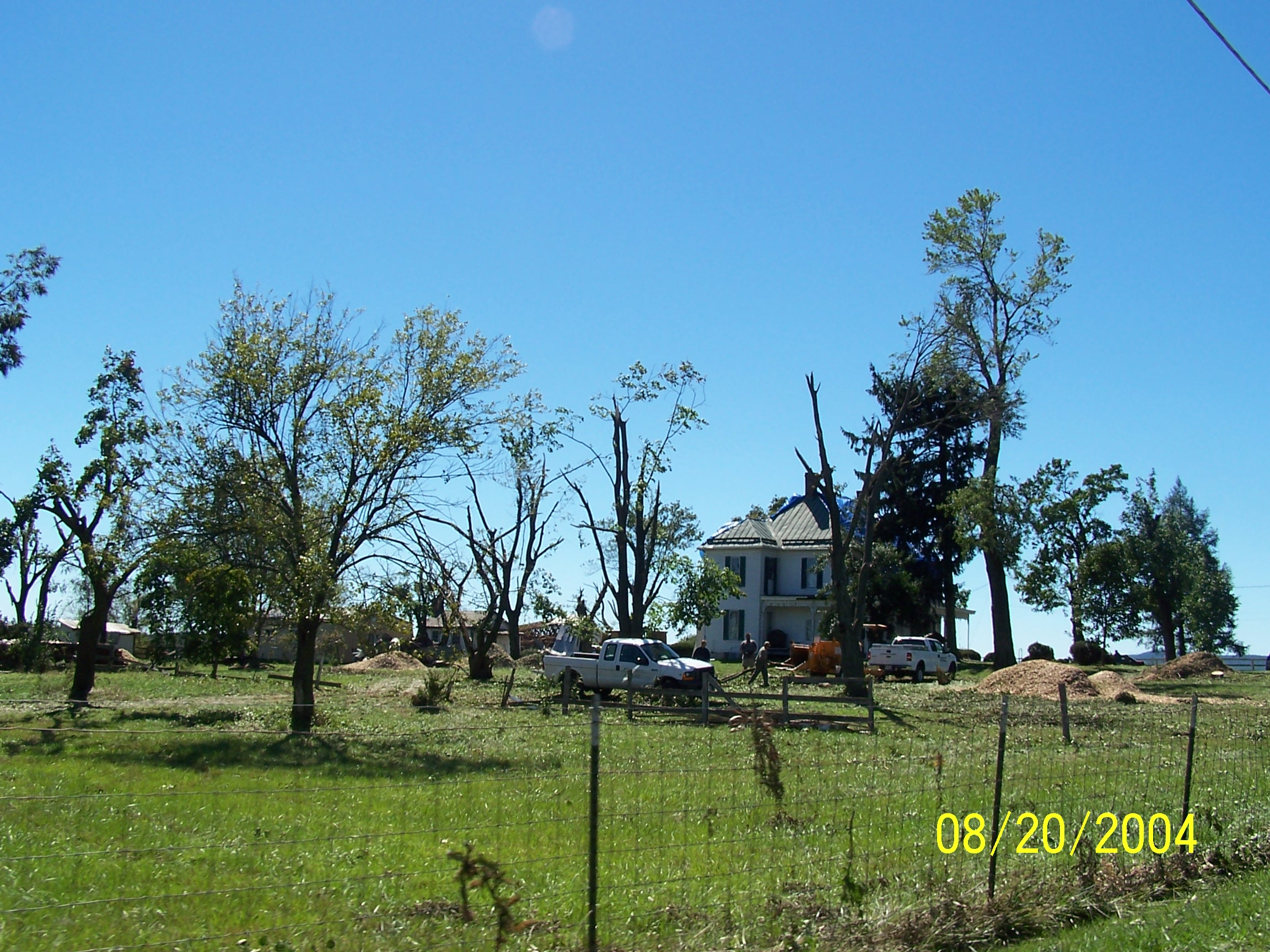 /images/lwx/sept17tornadoes/FrederickMD_Picture3.jpg