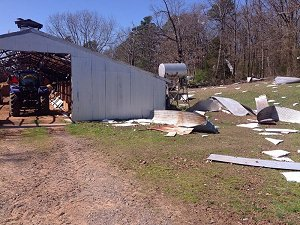chicken house was hit at Crossroads (Cleburne County).