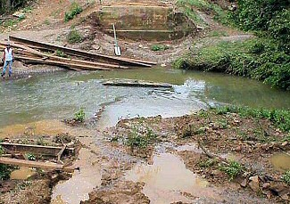 A bridge over Stevens Creek was washed away about 3 miles northwest of Velvet Ridge (White County).