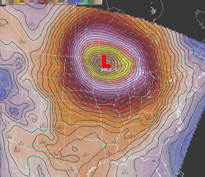 Mean Sea Level Pressure at the Storm's Peak