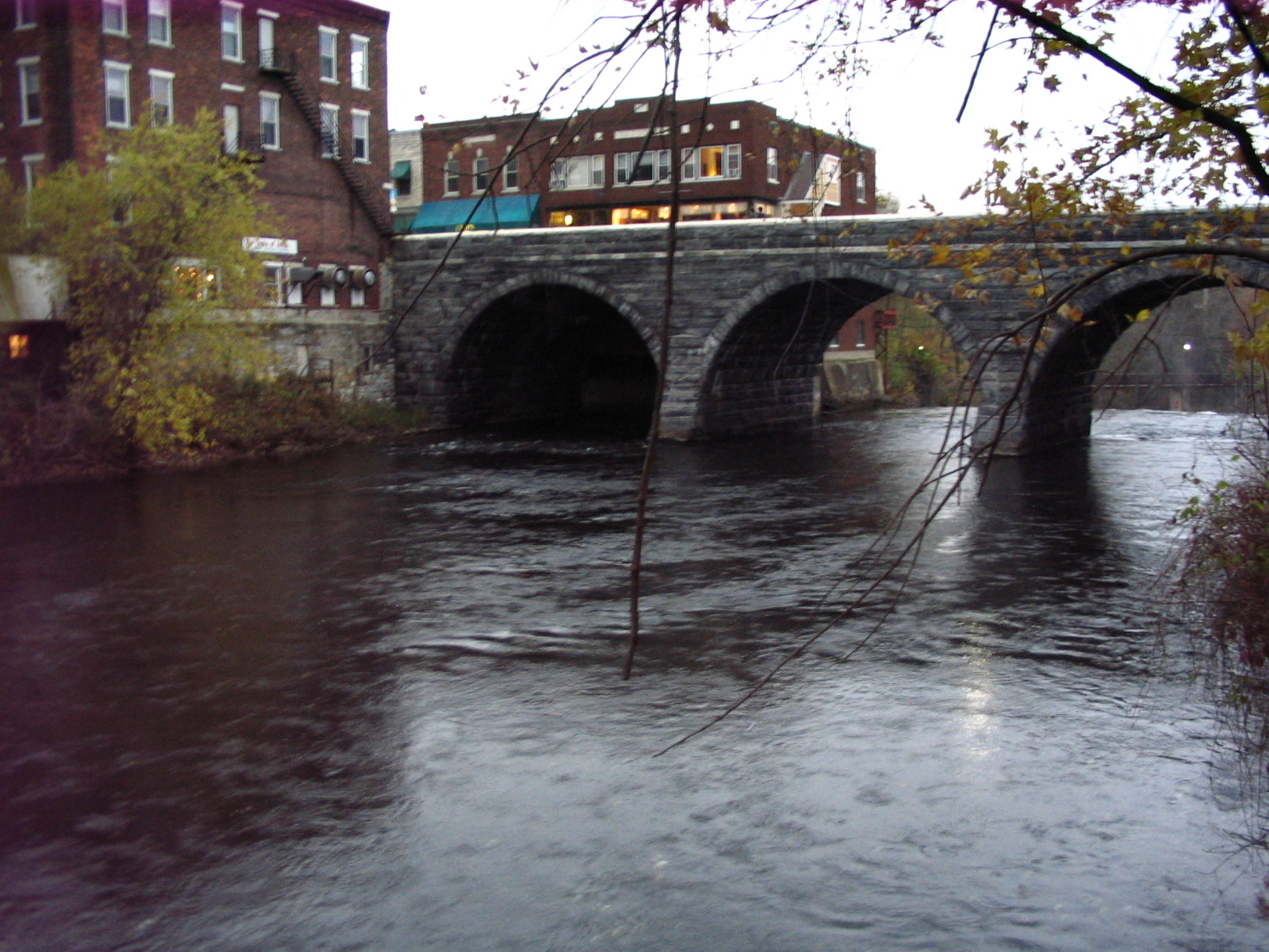 Photograph of the Otter Creek at Middlebury, VT (MDBV1) looking downstream