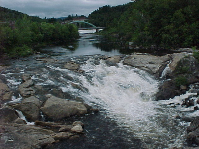 Photograph of the Middle Falls along the Androscoggin River at Rumford, ME (RMFM1)