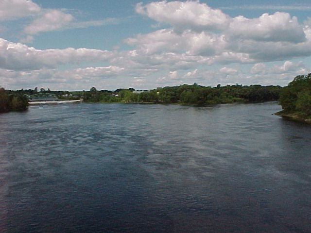 Photograph of the upstream confluence of the Penobscot River at West Enfield, ME (WENM1)