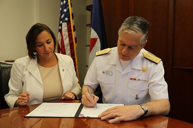 NWS DAA Laura Furgione and SHOA Director Rear Admiral Patricio Carrasco  performed a ceremonial signing of the Spanish official version of a MOU.