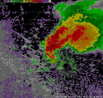 Oklahoma City/Twin Lakes (KTLX) Reflectivity at 5:25 PM CDT 5/08/2003
