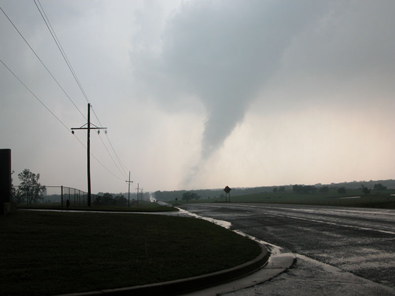 Photo of the May 8, 2003 Tornado near Red Rock, OK © Steve Shiever